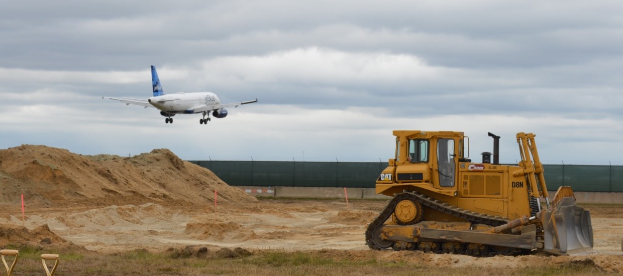 Reed Announces New $4.7M Airport Improvement Grant for T.F. Green