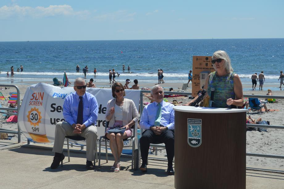Reed Lauds Free Sunscreen Initiative for RI Beaches