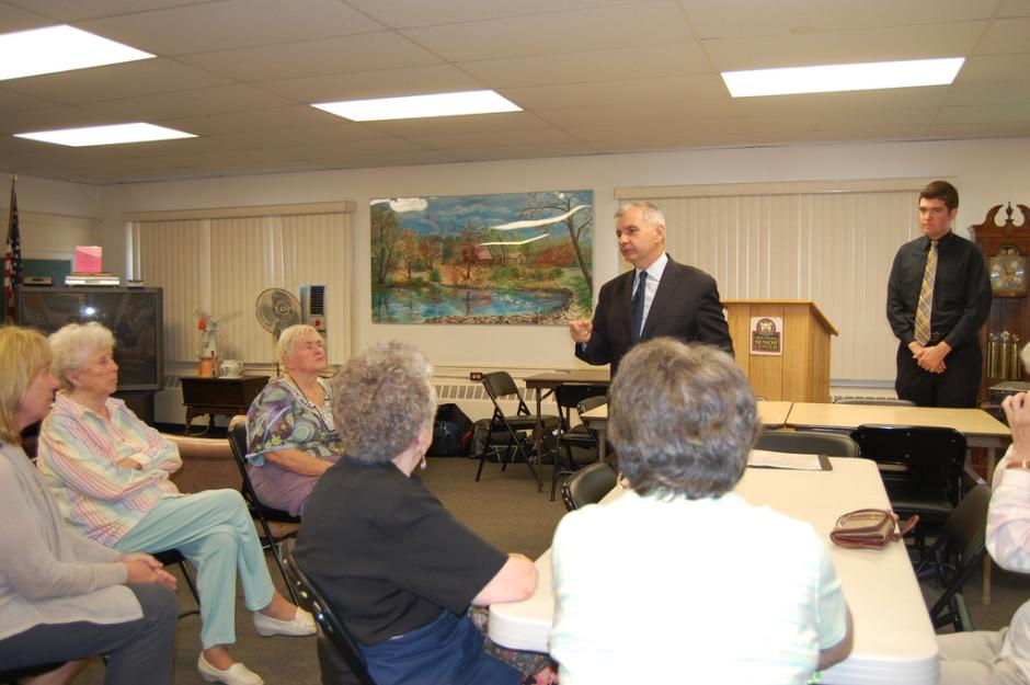 Reed Discusses Health & Wellness at Portsmouth Senior Center