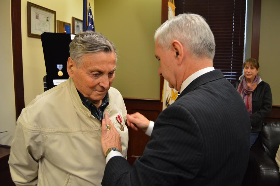 Reed Hosts Medal Ceremony Honoring World War II Army Veteran Eugene Luciano