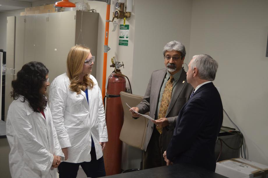 Reed Tours Clean Energy Tech at Brown University
