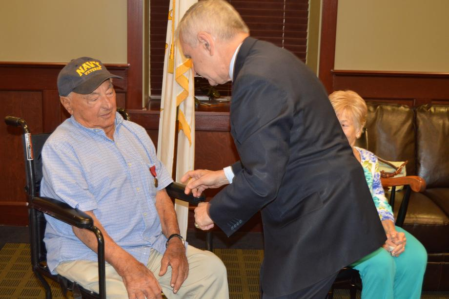 Reed Hosts Medal Ceremony for Cranston WWII Veteran