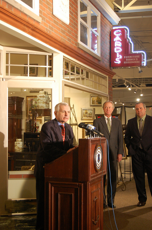Reed, RI Retailers Urge Congress to Pass Marketplace Fairness Act