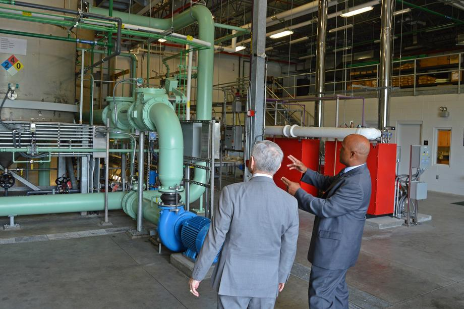 Senator Reed and T.F. Green Airport Officials Showcase Glycol Processing Facility
