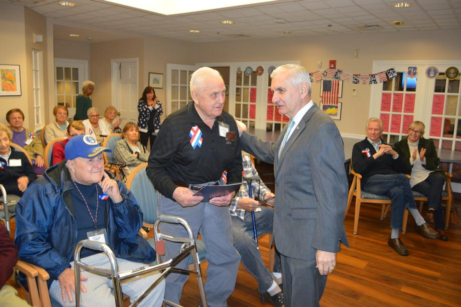 Reed Honors Veteran Patients at Hope Alzheimer's Center
