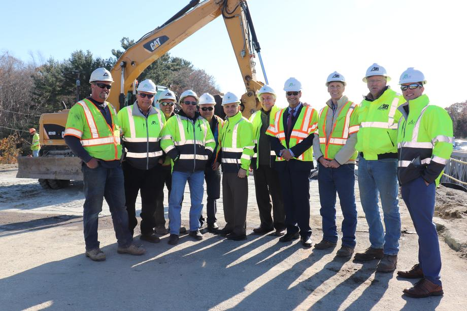 Reed Tours Transportation Projects Across Rhode Island