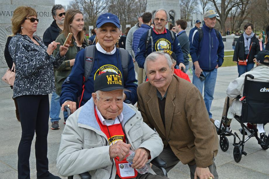 Reed Welcomes RI WWII Veterans to DC