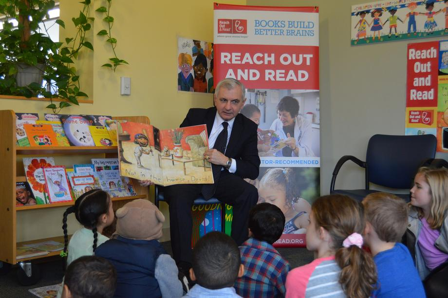 Reed Joins Reach Out & Read RI to Celebrate 'Prescribe a Book Act' Becoming Law