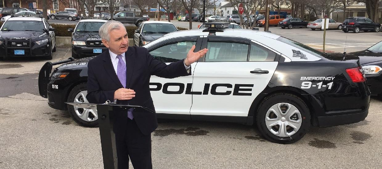 Reed Encourages RI Police Departments to Apply for New Federal COPS Grants